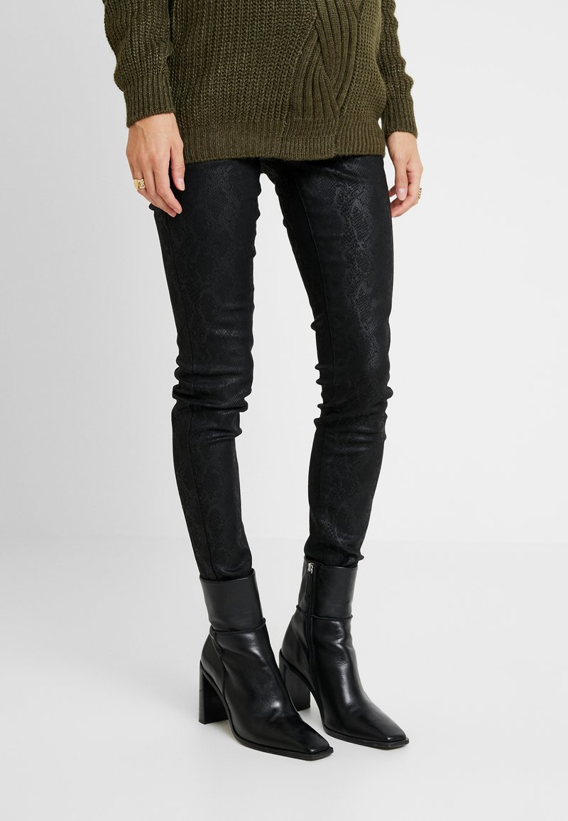 MAMALICIOUS - MLBOA COATED - Jeans Slim Fit - black