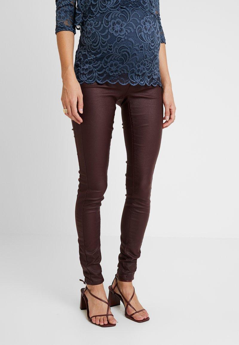 MAMALICIOUS - MLRAM COATED SLIM - Trousers - decadent chocolate