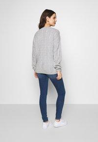 MAMALICIOUS - MLSAVANNA - Slim fit jeans - medium blue denim - 2