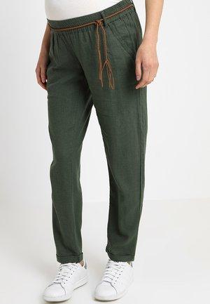 MLBEACH BELT PANT - Pantaloni - thyme