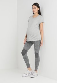 MAMALICIOUS - MLFIT ACTIVE TIGHTS - Leggings - Trousers - grey melange - 1