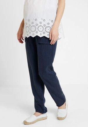 MLBETHUNE PANT - Kalhoty - navy blazer