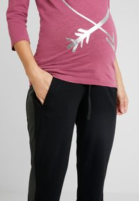 MAMALICIOUS - PANTS - Pantalones deportivos - black - 5