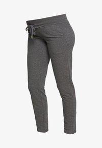 MAMALICIOUS - MLNEWKARLA PANTS - Spodnie treningowe - medium grey melange - 3