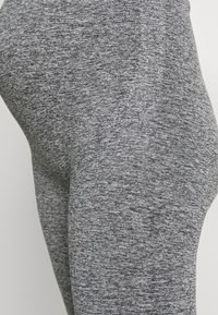 MAMALICIOUS - ACTIVE TIGHTS  - Leggings - medium grey melange - 3