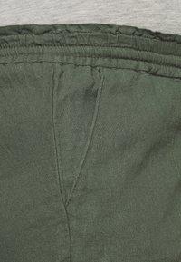 MAMALICIOUS - MLLINEN - Shorts - thyme - 2