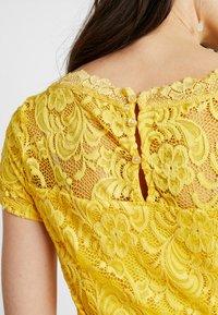 MAMALICIOUS - MLMIVANA BOATNECK DRESS - Vestido de cóctel - super lemon - 6