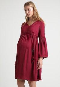 MAMALICIOUS - MLROSALIE LIA DRESS - Denní šaty - red plum - 0