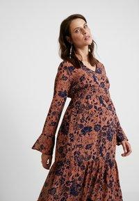 MAMALICIOUS - MLCALM DRESS - Denní šaty - navy blazer with ginger - 4