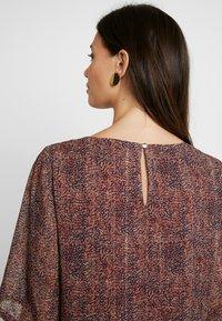 MAMALICIOUS - MLNELL WOVEN SHORT DRESS - Denní šaty - navy blazer/small dixie - 6
