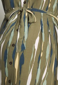 MAMALICIOUS - MLDANA WOVEN DRESS - Sukienka koszulowa - dusty olive - 5