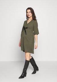 MAMALICIOUS - MLKAYA DRESS - Vestido ligero - dusty olive - 0