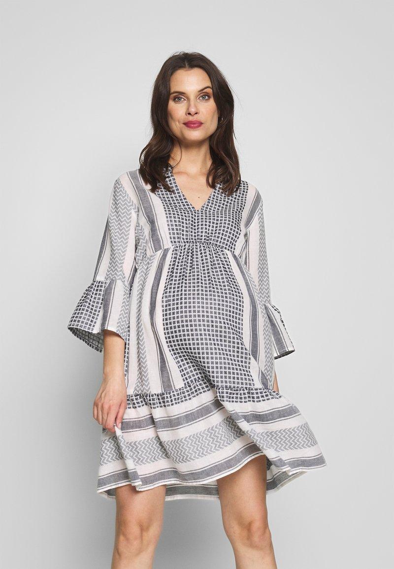 MAMALICIOUS - MLEVIA 3/4 SHORT DRESS - Sukienka letnia - snow white/navy blazer