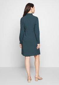 MAMALICIOUS - MLLOUISA DRESS - Vestido ligero - orion blue - 2