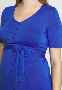 MAMALICIOUS - MLADRIANNA DRESS - Vestido ligero - dazzling blue - 5
