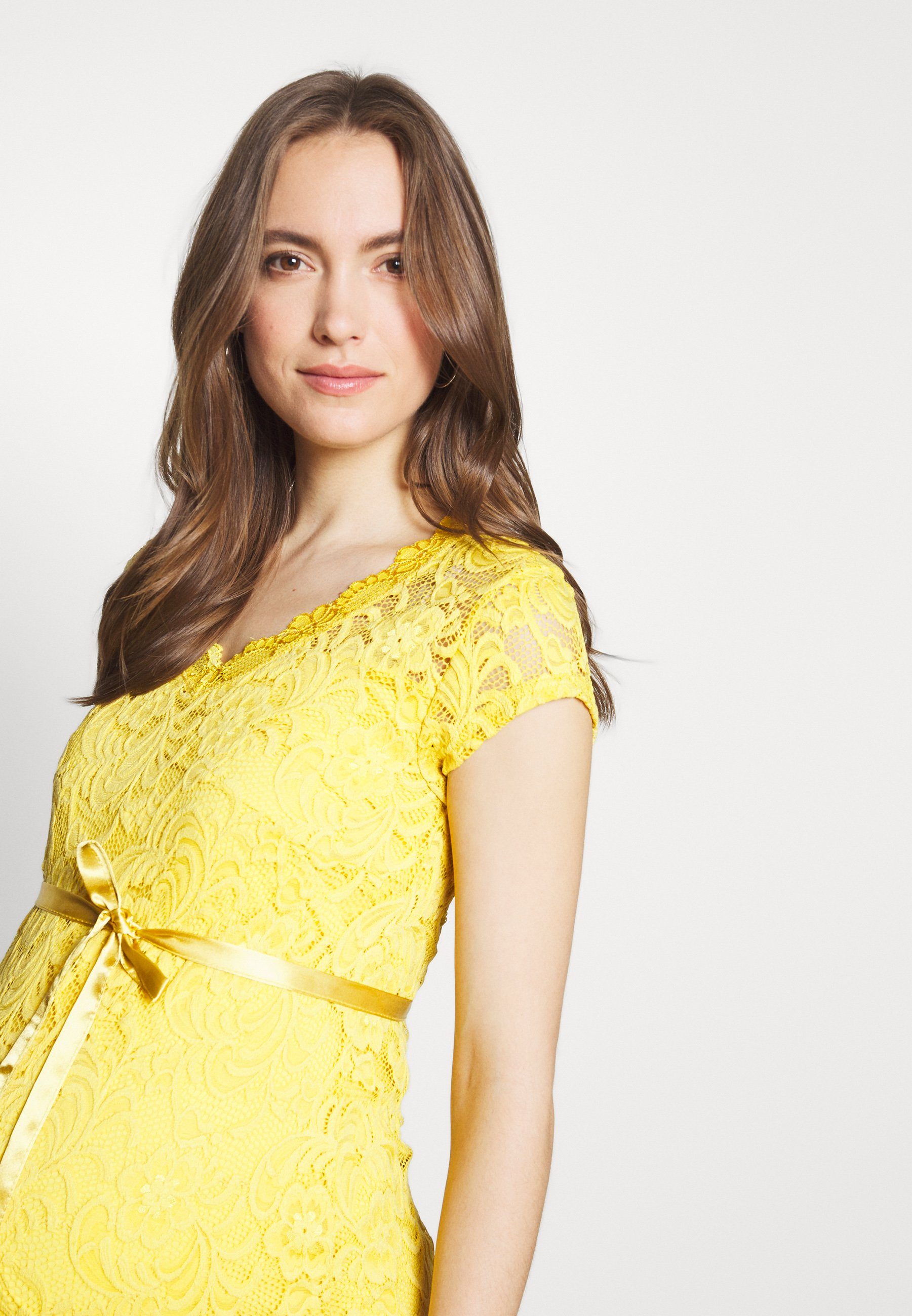 MAMALICIOUS MLNEWMIVANA CAP DRESS - Sukienka koktajlowa - cream gold