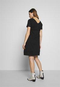MAMALICIOUS - MLSIANA TESS DRESS - Vestido ligero - black - 2