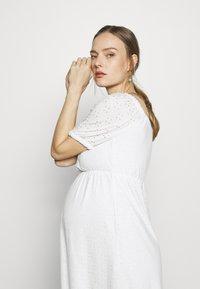 MAMALICIOUS - MLMOLLY SHORT DRESS - Sukienka z dżerseju - snow white - 3