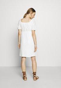 MAMALICIOUS - MLMOLLY SHORT DRESS - Sukienka z dżerseju - snow white - 2