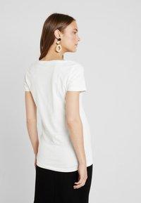 MAMALICIOUS - MLALBERTE - T-shirt imprimé - snow white - 2