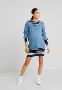 MAMALICIOUS - MLFANNY SHORT DRESS  - Vestido ligero - navy blazer/silver pink/molten lava - 1