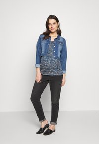 MAMALICIOUS - CARLOTTA TESS - T-shirt print - orion blue - 1