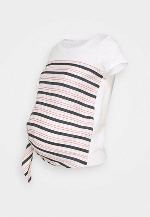 MLLISETTE - Camiseta estampada - snow white/birch/carmine rose