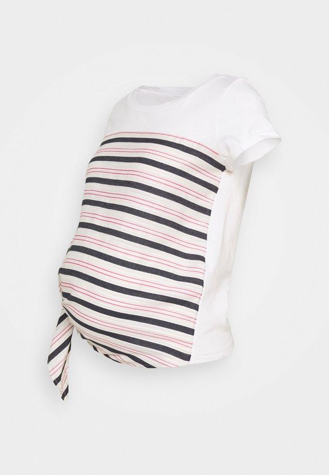 MLLISETTE - T-Shirt print - snow white/birch/carmine rose