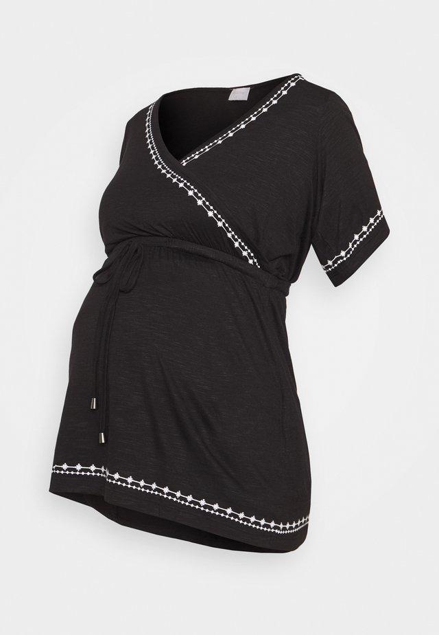 MLKATE TESS - T-Shirt print - black/white