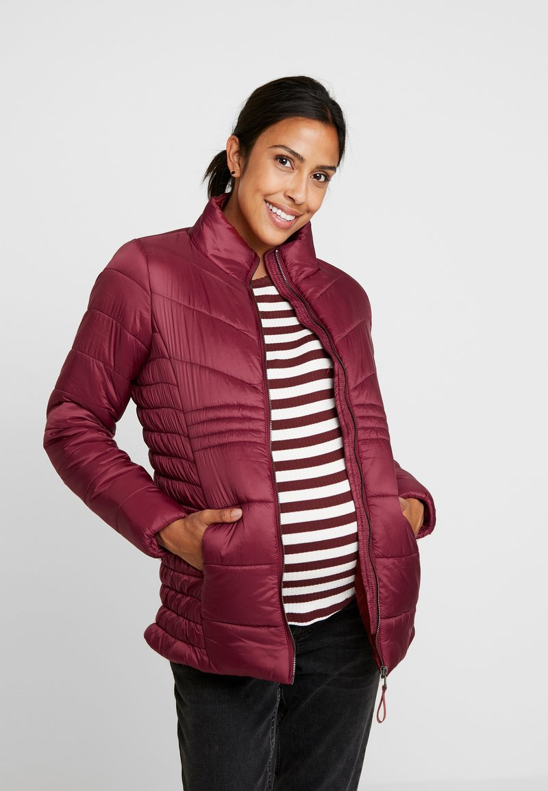 MAMALICIOUS - MLKATJA LIGHT WEIGHT JACKET - Lett jakke - pomegranate