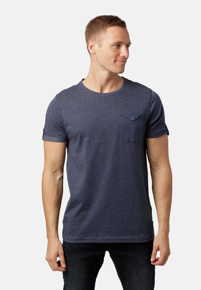 LISTO  - Print T-shirt - dk.blue mix