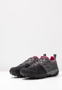 Mammut - SAENTIS  - Hiking shoes - black/titanium - 2