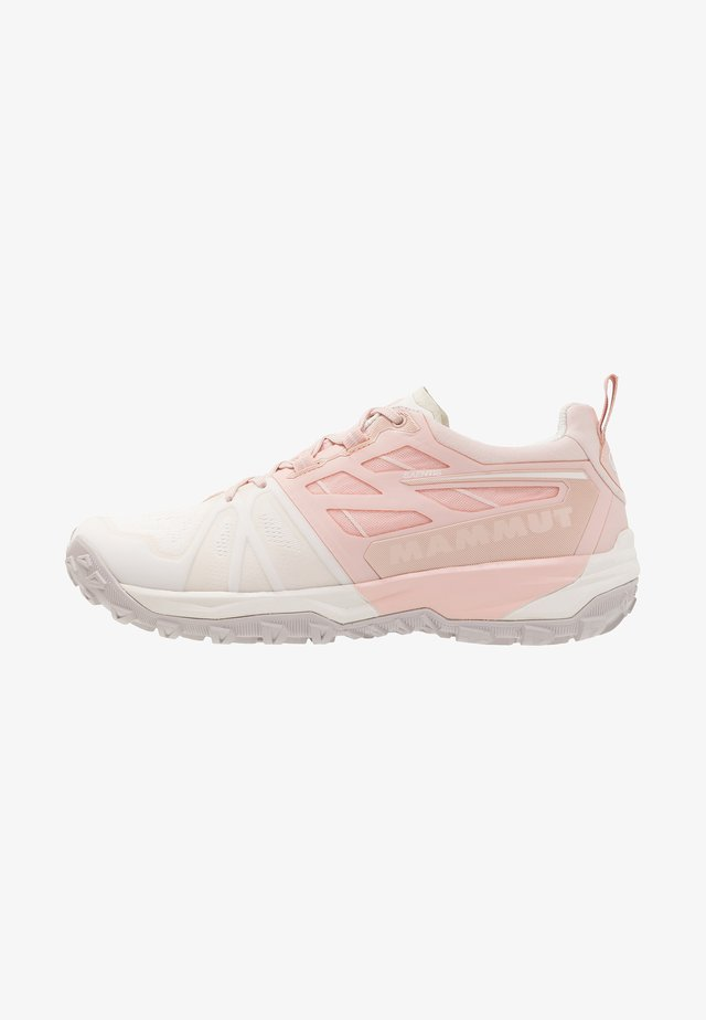 SAENTIS LOW WOMEN - Trail running shoes - bright white