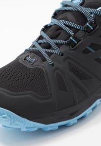 Mammut - SAENTIS LOW WOMEN - Trail running shoes - black/whisper - 5