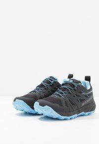 Mammut - SAENTIS LOW WOMEN - Trail running shoes - black/whisper - 2