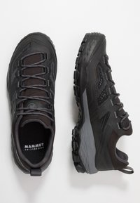 Mammut - Obuwie hikingowe - black/titanium - 1