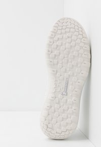 Mammut - HUECO ADVANCED MID WOMEN - Sports shoes - bright white - 4