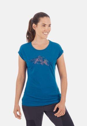 MOUNTAIN - Print T-shirt - sapphire