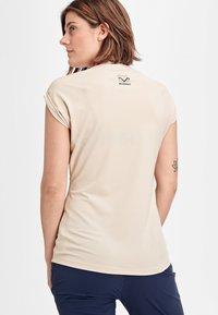 Mammut - MOUNTAIN  - T-shirt z nadrukiem - moonbeam - 1