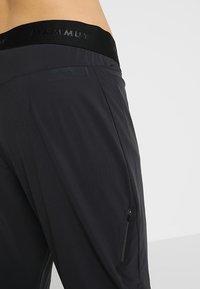 Mammut - CRASHIANO PANTS WOMEN - Outdoorbroeken - black - 3
