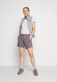Mammut - CAMIE SHORTS WOMEN - Sports shorts - shark - 1