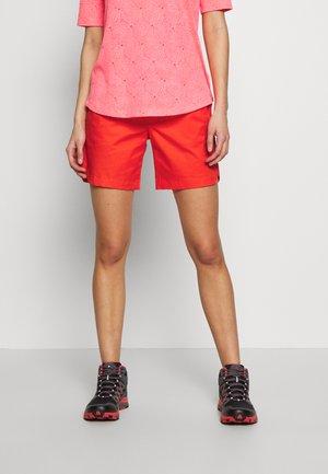 CAMIE SHORTS WOMEN - Sports shorts - poinciana