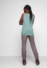 Mammut - CAMIE PANTS WOMEN - Teplákové kalhoty - shark - 2