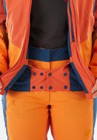 Mammut - CASANNA THERMO - Snowboardjacke - pepper-cheddar-wing teal - 8