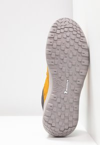 Mammut - HUECO LOW GTX MEN - Chaussures de marche - dark golden/dark titanium - 4