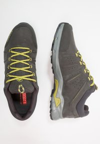 Mammut - CONVEY LOW GTX - Chaussures de marche - graphite/dark citron - 1