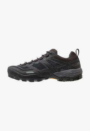DUCAN LOW GTX MEN - Outdoorschoenen - black/dark titanium