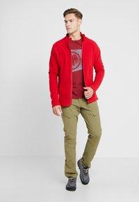 Mammut - SLOPER  - T-shirt z nadrukiem - mottled red - 1