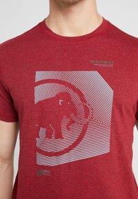 Mammut - SLOPER  - T-shirt z nadrukiem - mottled red - 3