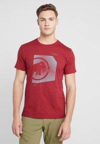 Mammut - SLOPER  - T-shirt z nadrukiem - mottled red - 0